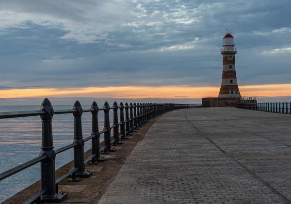 Roker Lighthouse by flowerpower59