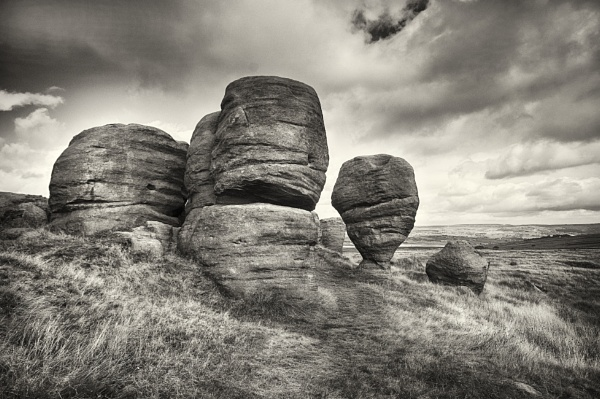 The Bridestones by iangilmour