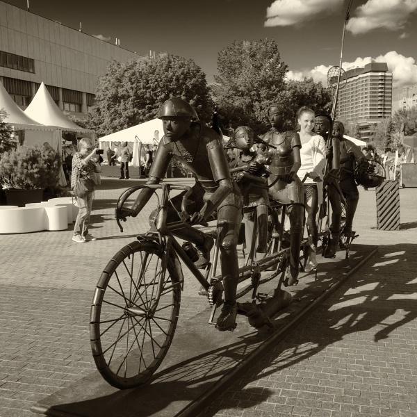bike sharing scheme by leo_nid