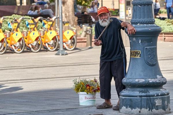Street vendor by LotaLota
