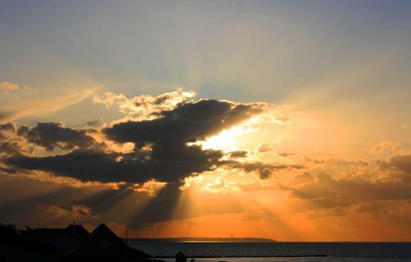Sunset over Hampton by versa310