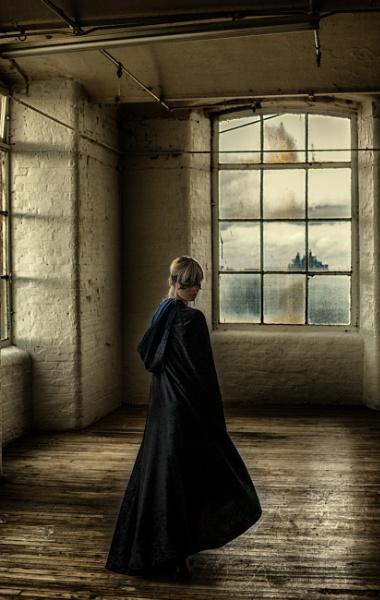 How often she has gazed from castle windows o\'er by Owdman