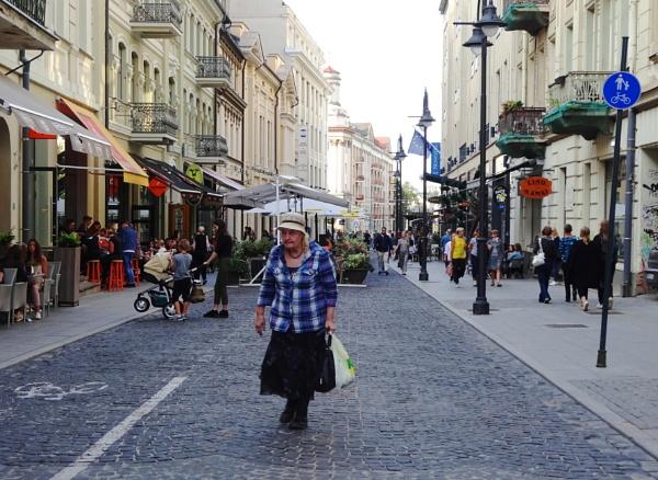 Pedestrian street by Kabrielle