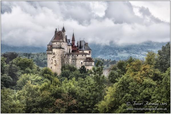 Château de Menthon by TrevBatWCC