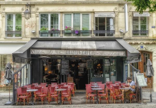 Parisian Coffee-shop by ubaruch