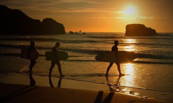 Sunset Surfers by ZenTony
