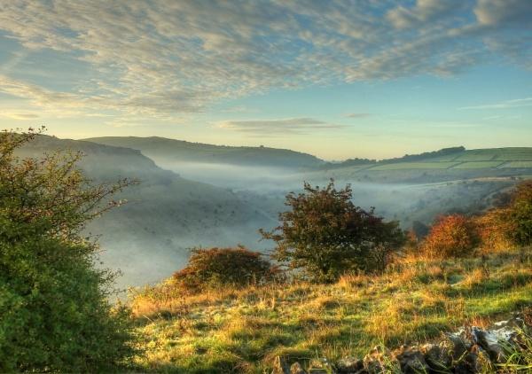Autumn Morn by ianmoorcroft