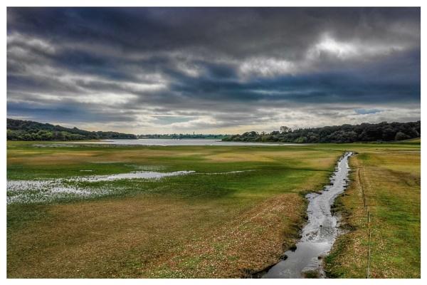 Blithfield reservoir by Stevetheroofer