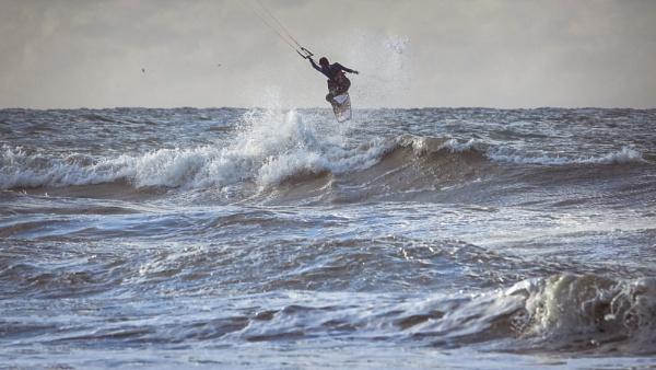 Appleblueseagreen surfer by Drummerdelight