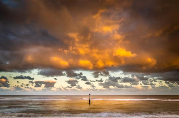 Suffolk sky by barrywebb