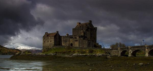 Eilean Donan Castle by Trevrox
