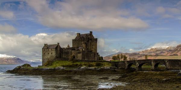 Eileen Donan Castle 2 by Trevrox
