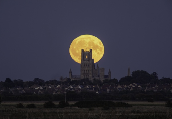 Harvest Moonrise behind Ely Cathedral, 24th September 2018 by ahesharpe