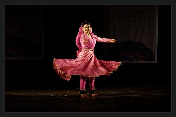 Katthak Dancer by prabhusinha