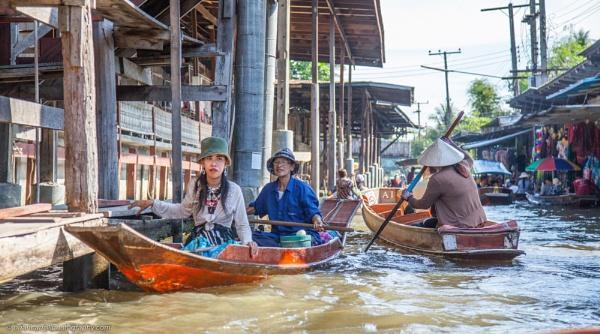 Damnoen Saduak Floating Market, Thailand Part 2 by brian17302