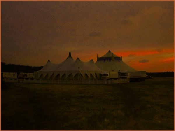 circus dawn... by estonian