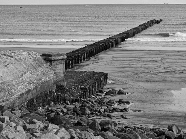 October Coastline by DaveRyder