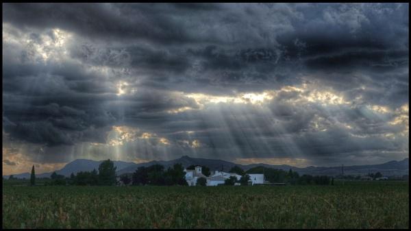 rayos de luz sobre quintanilla by repooc