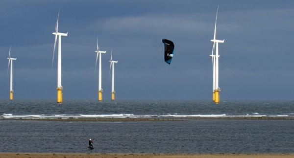 Wind power two ways by oldgreyheron