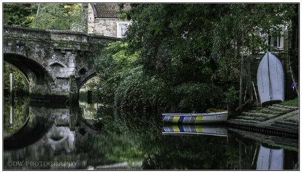 Pub Boat by Dwaller