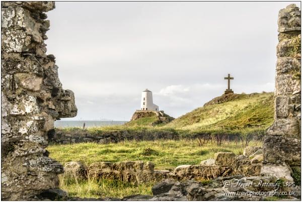 Ynys Llanddwyn by TrevBatWCC