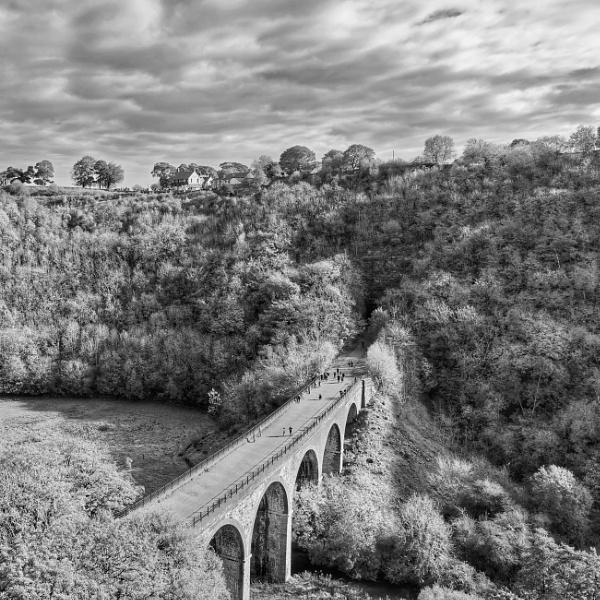 Monsal viaduct at Little Longstone by Stevetheroofer