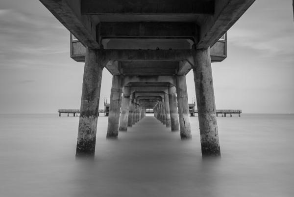 Under Deal Pier by falsecast