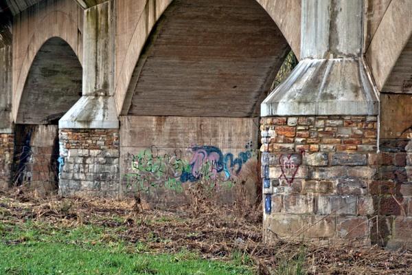 Graffiti-Bridge by kw