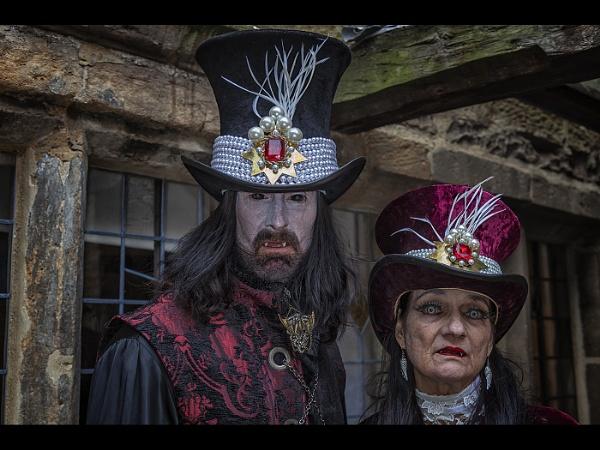 Mr & Mrs Scary by stevenb