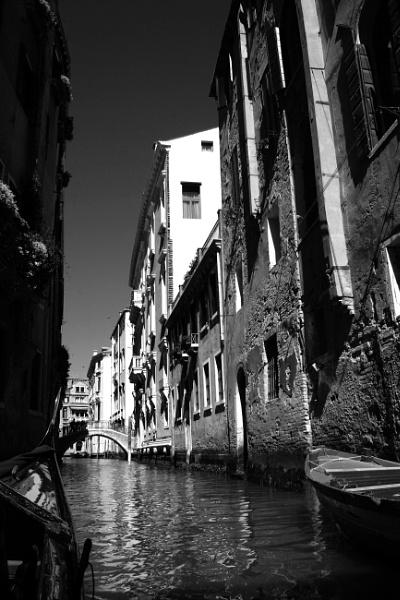 "Venice \""Backstreet\"" by Lontano"