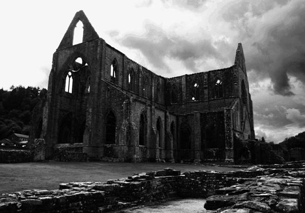 Tintern Abbey by Lontano
