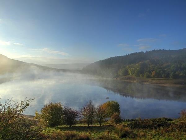 Ladybower Morning by ianmoorcroft