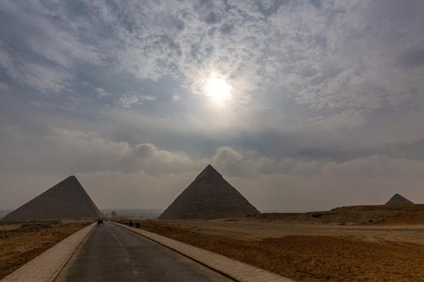 Pyramids in Gisa by rninov