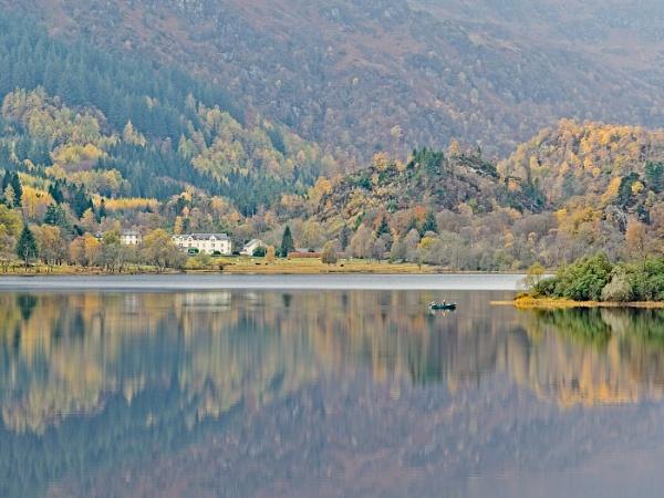 Loch Auchray. by Belleyeteres