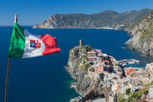Cinque Terre coastal path by malum