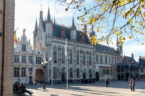Bruges, Hotel de ville by chataignier