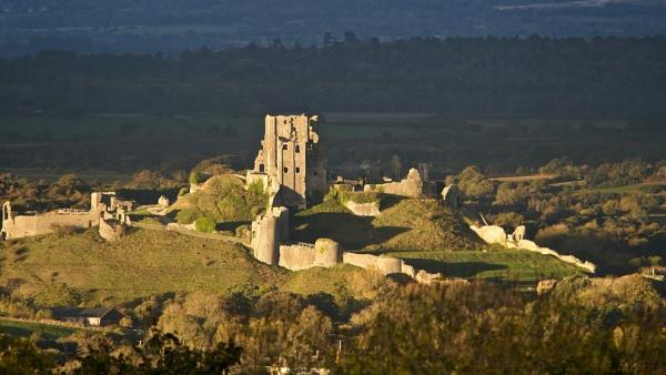 Corfe Castle from Kingston by prtd