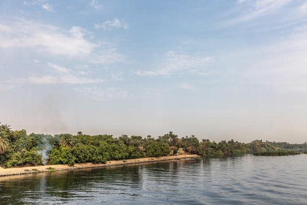 Coast of Nile by rninov