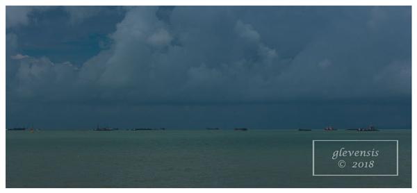 Sea-Sky Strata by glevensis