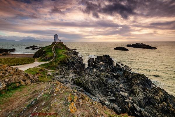 Llanddwyn Island by geffers7