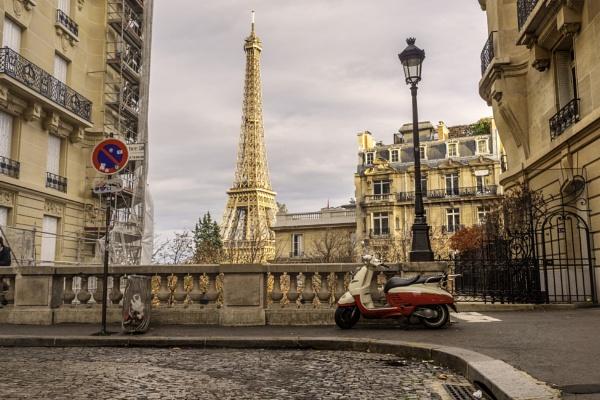 Avenue de Camoens by CraigWalker