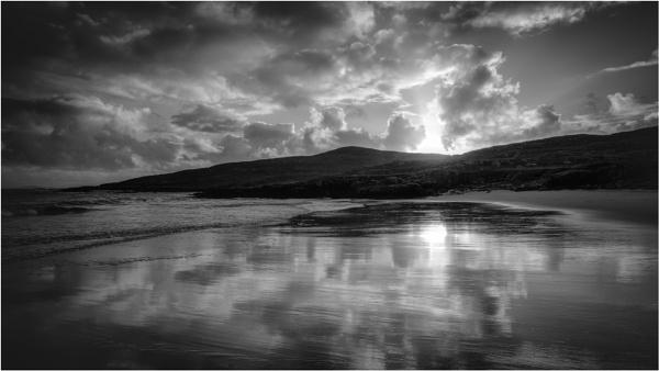 Hushinish in the Darkness by PaulMillar