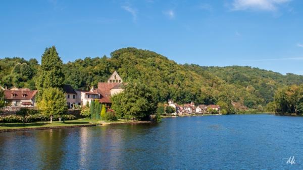 Beaulieu sur Dordogne by chataignier