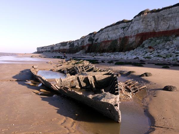 Wreck of the Sheraton by DerekHollis