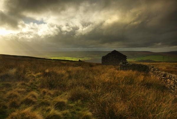 Abandoned Farmhouse South Pennine Moors by iangilmour