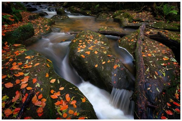 Steady flow. by Satlight
