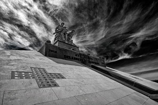 WW1 memorial by Zydeco_Joe