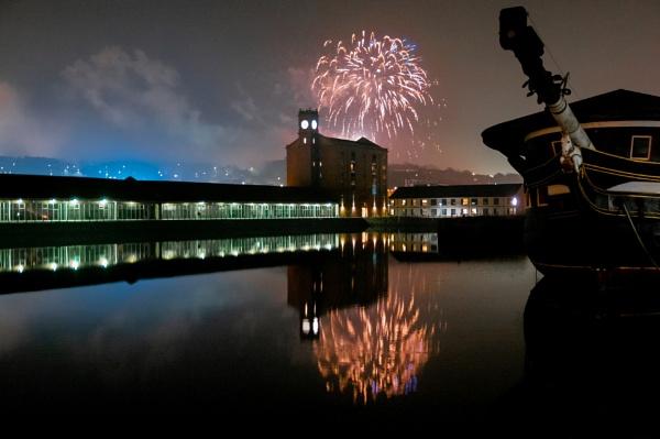 Fireworks by scrimmy