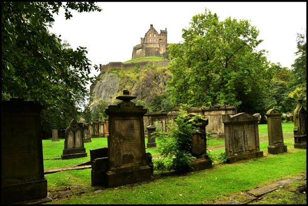 Edinburgh castle by djh698