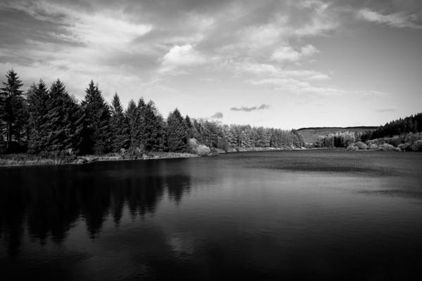 Cod Beck Reservoir by jk